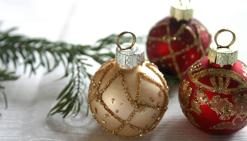 Anderson posts holiday hours