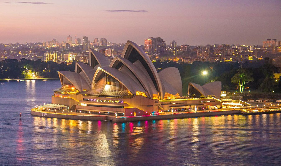 Tourism Australia seeking luxury travellers through Virtuoso