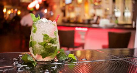 Sunwing serves up Mojito Mondays to agents