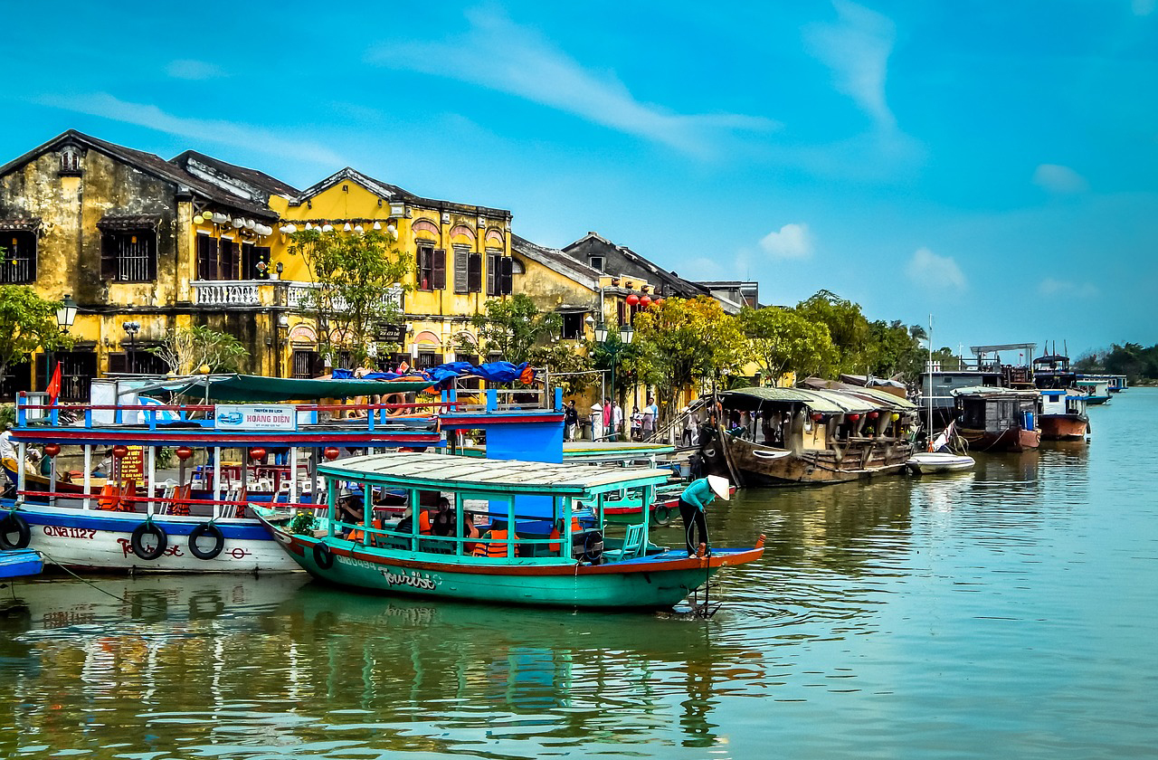 Luxury Gold offers free travel for companions to Southeast Asia
