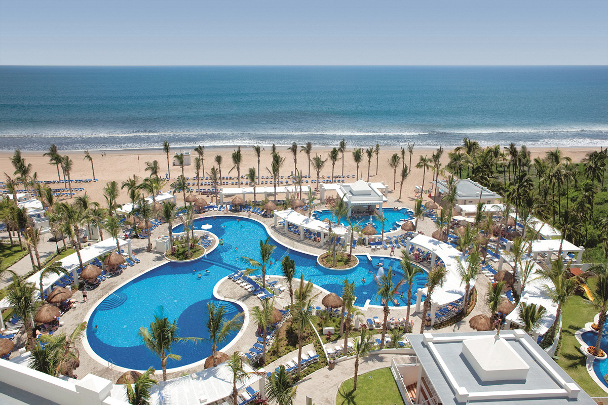 Sunwing offers YXE-MZT connection this winter
