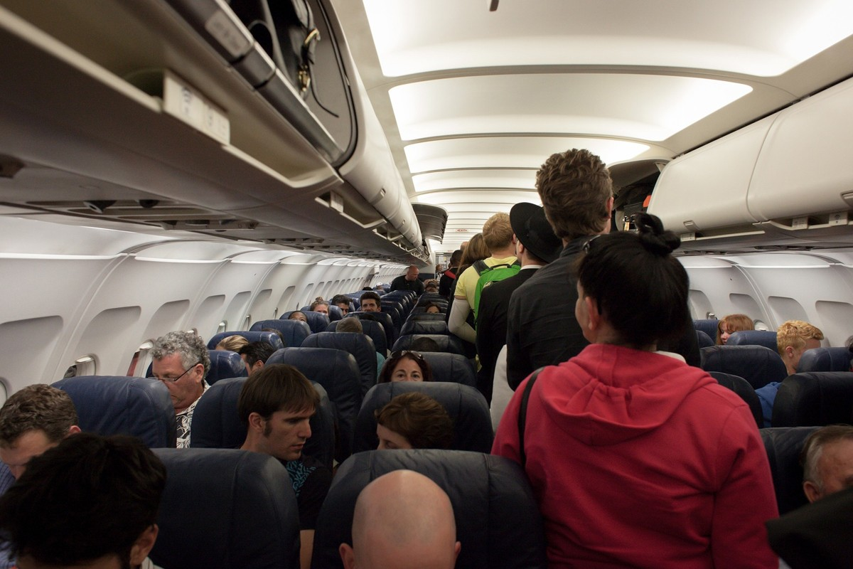 """""""Incredible Shrinking Airline Seat"""" to be investigated"""