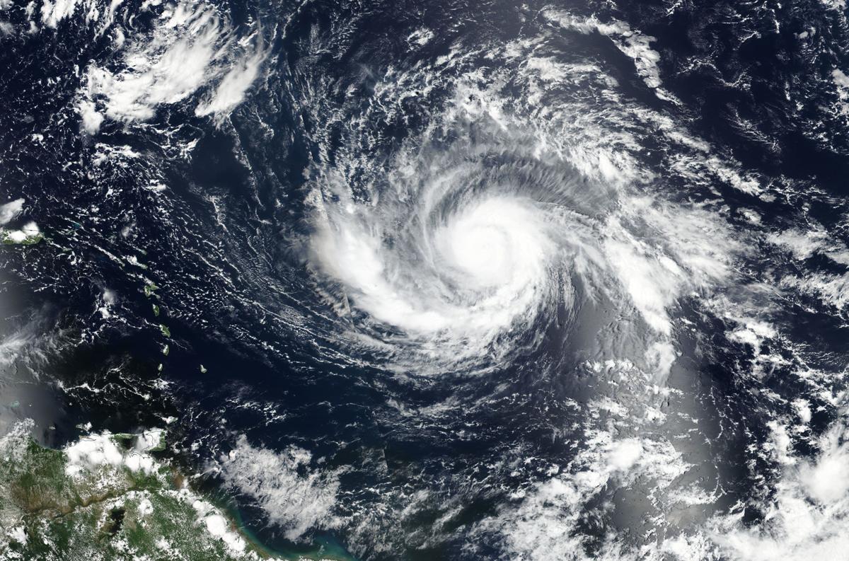 Irma strikes St. Martin & Barbuda; Air Canada adds flights