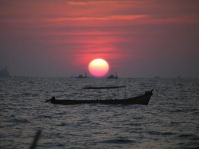 A BOAT-iful sunset!! - Goa, India