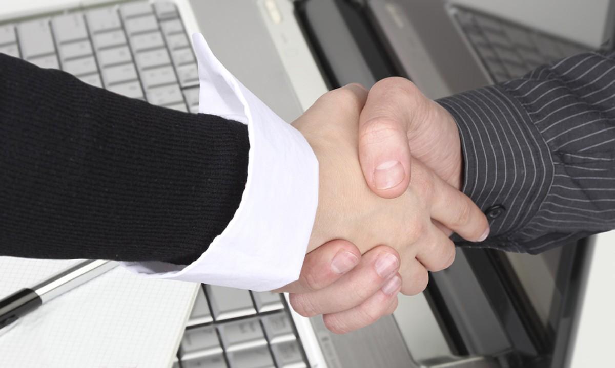 YWG & support staff reach tentative deal