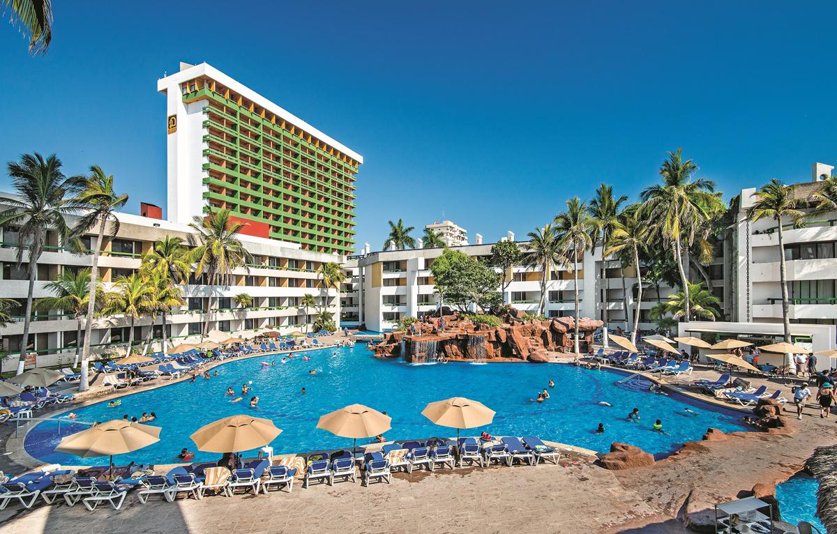 Sunwing's Mazatlan promo benefits agents and travellers