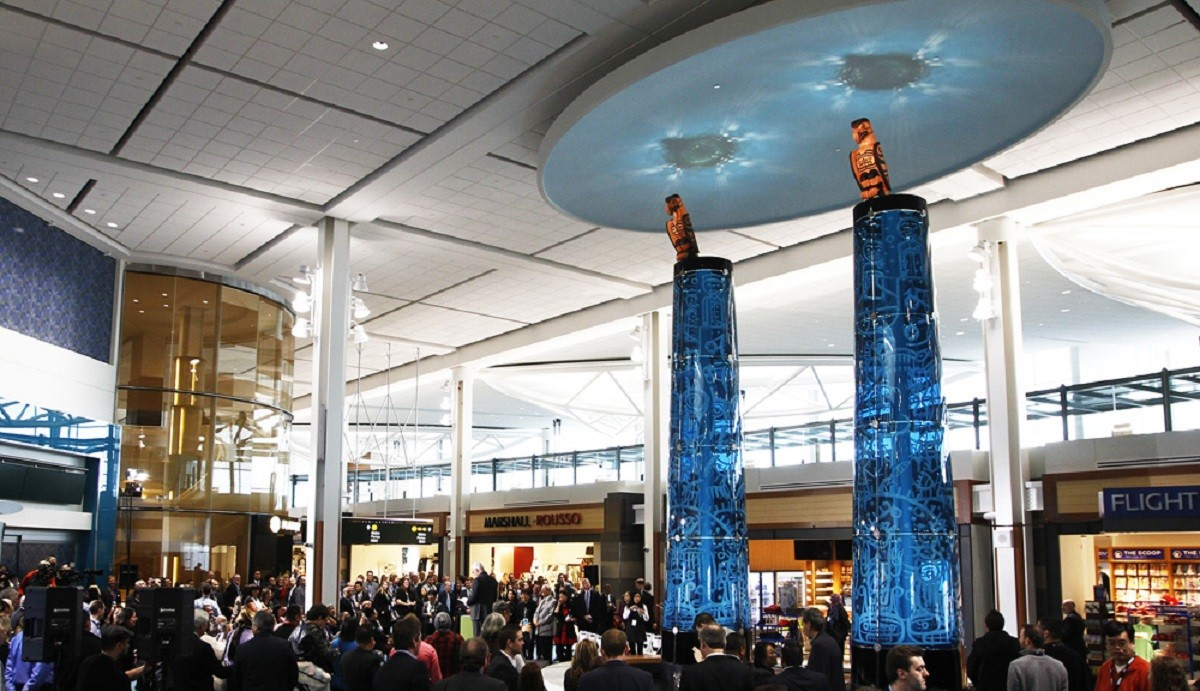 Vancouver Airport Authority takes home two awards