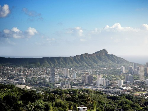 Hawaii: more Canadian arrivals spend less in October
