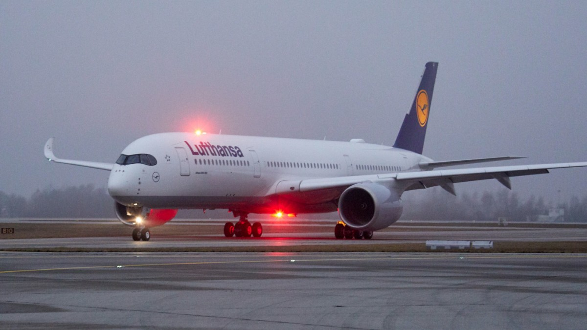 Lufthansa's new A350-900 flying YVR to MUC