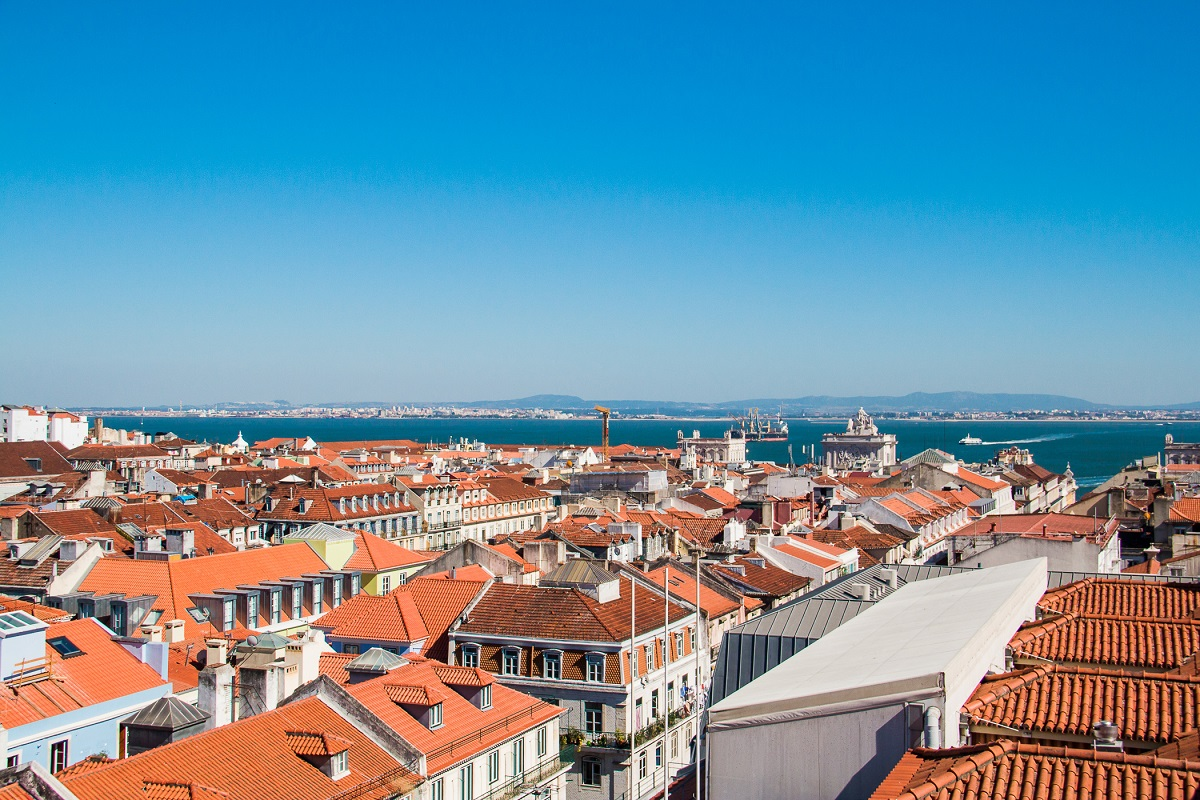 Air Transat offering 17 connecting flights to Portugal from Western Canada