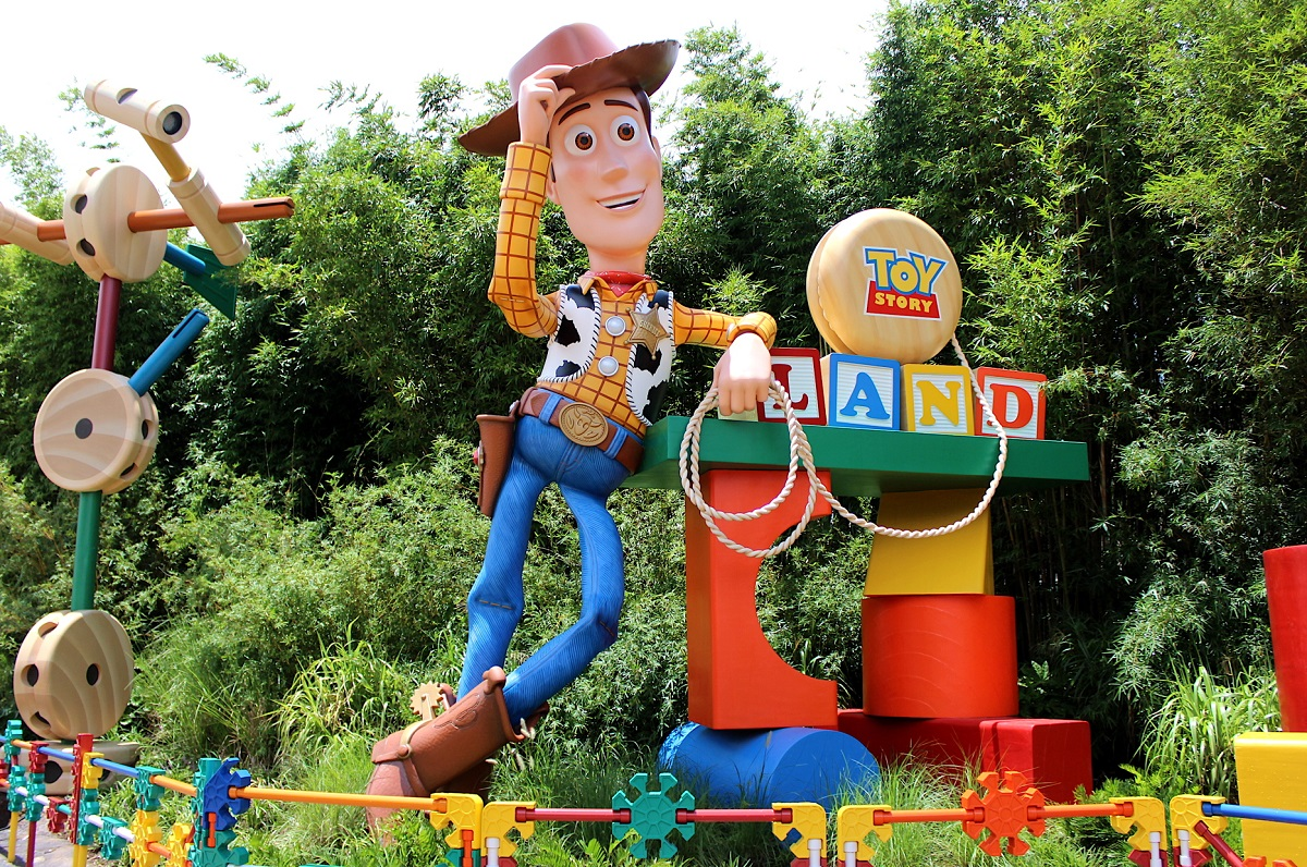 VIDEO: PAX explores the new Toy Story Land with ACV