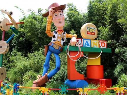 Canadians can save at Disneyland, Walt Disney World this fall