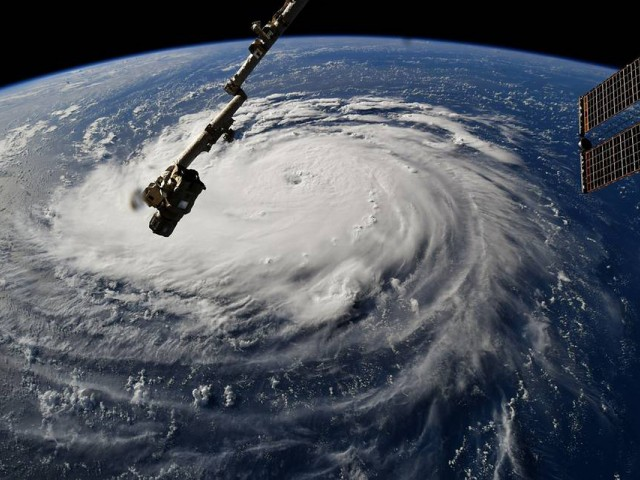 WestJet & Air Canada prepare Canadians for Hurricane Florence with flexible rebooking policies