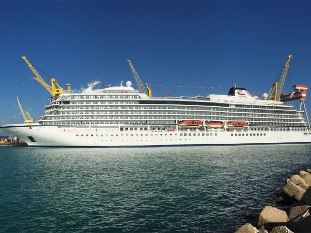 See a 360° tour of the new Viking Jupiter