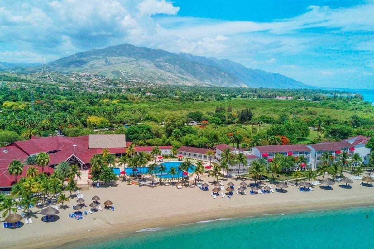 Air Canada & Air Transat repatriate Canadians trapped in Haiti