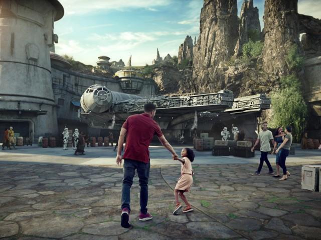 VIDEO: Star Wars: Galaxy's Edge will open ahead of schedule