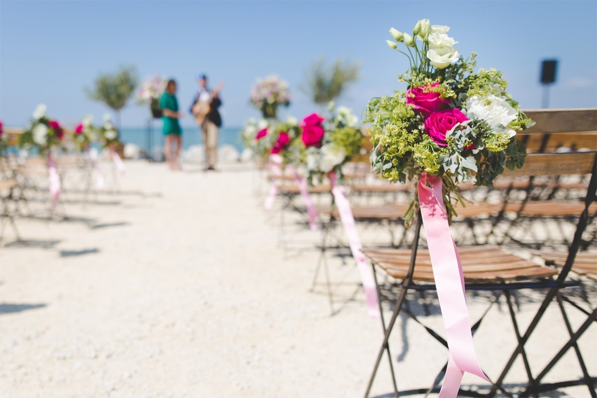 Inspire your clients with Transat's new wedding brochure