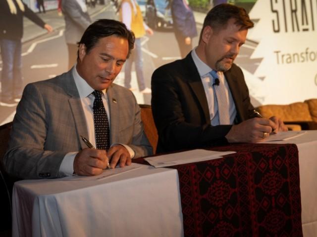 WestJet & ITAC partner to grow Canada's Indigenous tourism sector