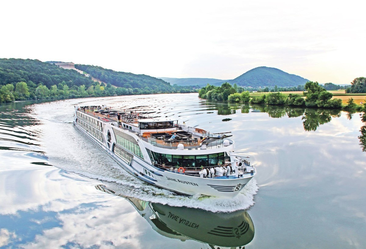 Riviera River Cruises extends call centre hours for Western Canada agents