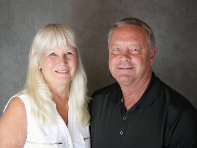 Monday Minute: Terry & Sandra Dunlop, Interlake Travel