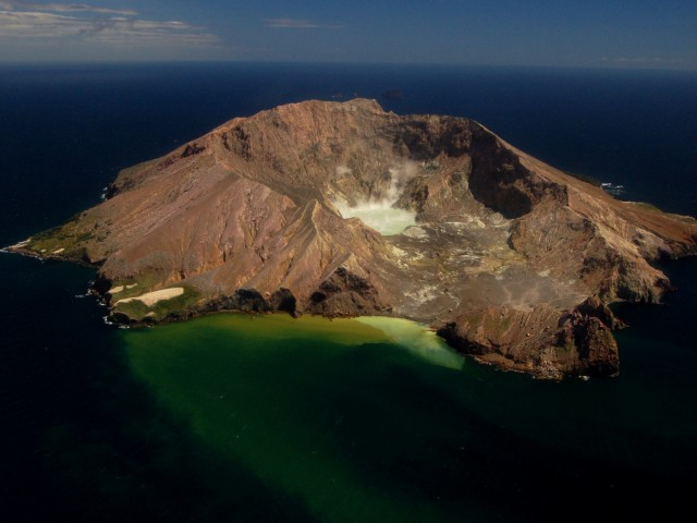 Five killed as volcanic activity increases at New Zealand tourist site
