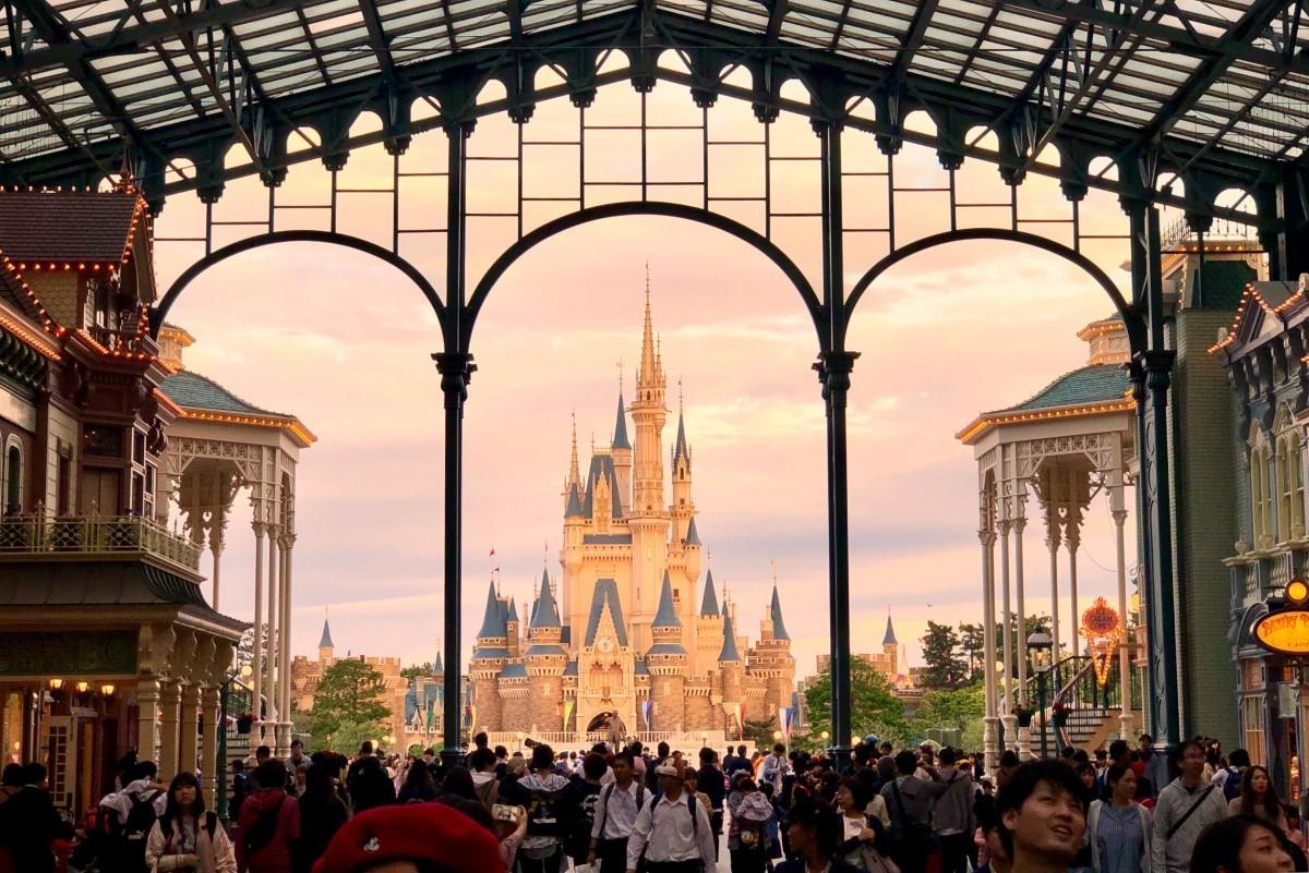 Tokyo Disneyland & Tokyo DisneySea closed due to COVID-19 concerns