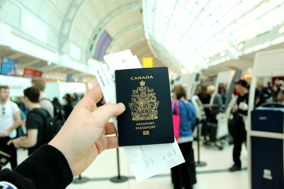 """Loophole"" in border rules exposed as Ottawa discourages international travel"