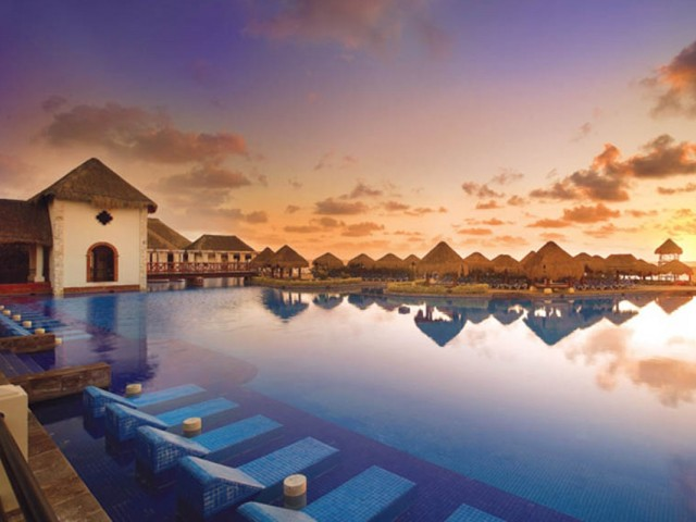 Now Sapphire Riviera Cancun now open